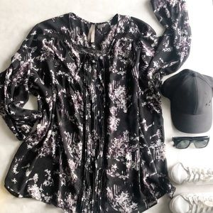 Very pretty floral blouse